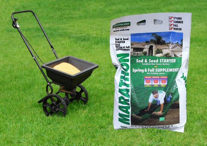 After Watering And Mowing The Final Step To A Lush Green Lawn Is Fertilizer Lawns Require Regular Program Of High Nitrogen For Leaf